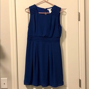 Casual Dress - Women's M